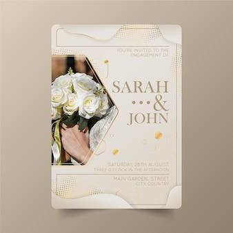 Modello di invito a nozze di lusso dorato sfumato con foto