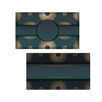 타이포그래피를 위해 준비된 인도 골드 패턴이 있는 그라데이션 녹색 그라데이션 인사말 카드.