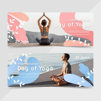 Gradient international day of yoga banners set