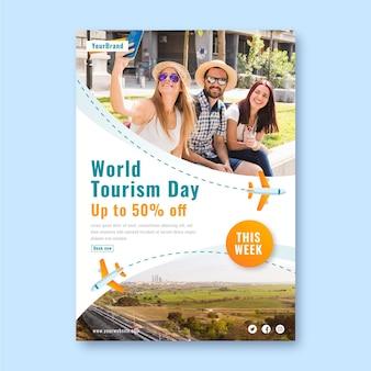 Modello di poster verticale della giornata mondiale del turismo sfumato con foto