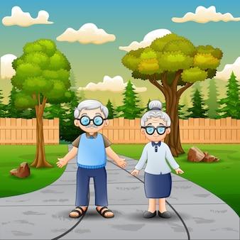 Бабушки и дедушки на фоне природы