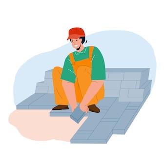 ストリートストーンペーバーベクトルを敷設花崗岩の労働者。花崗岩の労働者の男レンガ舗装の堅固な庭の小道。プロのスーツと保護帽子フラット漫画イラストのキャラクター便利屋