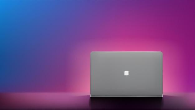 Серый ноутбук вид спереди