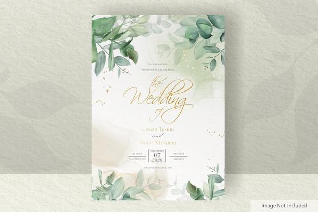 손으로 그린 유칼립투스와 알코올 잉크 배경 녹지 결혼식 초대 카드 템플릿