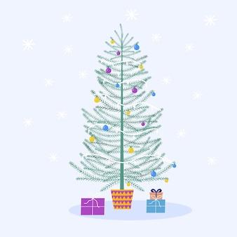 Открытка с украшенной елкой и подарками, подарком,