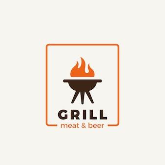 白で隔離のグリル肉レストランのロゴ
