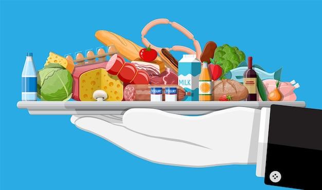 Набор продуктов. коллекция продуктового магазина. супермаркет. свежие органические продукты питания и напитки. молоко, овощи, мясо, куриный сыр, колбасы, вино, фрукты, сок рыбных хлопьев.