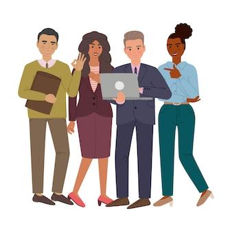 Группа деловых мужчин и женщин в костюмах и офисной ткани. мужчина делает презентацию на ноутбуке и что-то обсуждает с коллегами. герои мультфильмов изолированы.