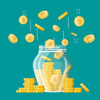 Рост доходов, сбережений, инвестиций, стеклянная банка для денег с золотыми монетами.