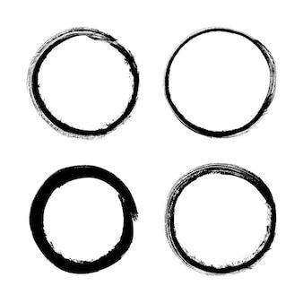 フレームのグランジサークルブラシストローク。ベクトルセット、手描きの要素を設計します。
