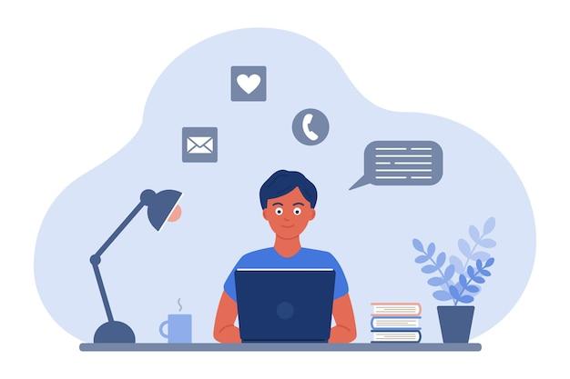 机の上の男がノートパソコンの画面を見るビデオによるオンライン学習コミュニケーションの概念