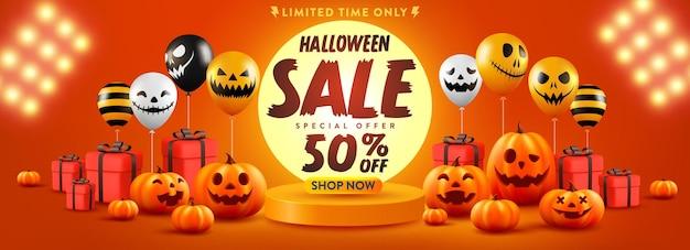 Рекламный плакат или баннер хэллоуина с тыквой на хэллоуин и воздушными шарами-призраками