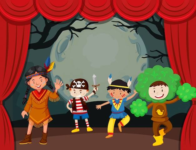 무대에서 의상을 입은 아이들과 함께 할로윈 테마