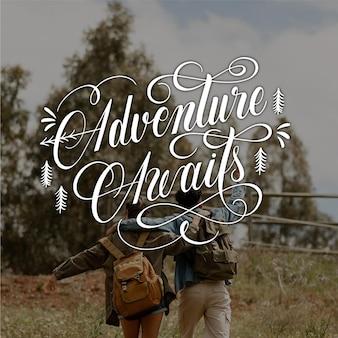 Iscrizione di avventura disegnata a mano con foto