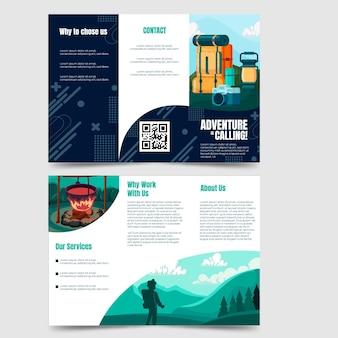 Modello di brochure a tre ante avventura disegnato a mano