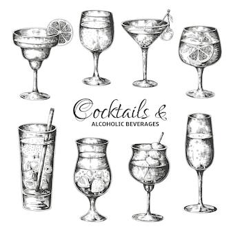 手描きのカクテル。酒とアルコール飲料のビンテージグラス、夏の飲み物はメニューをスケッチします。