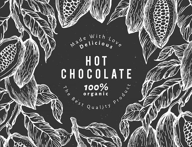 手描きのココアデザインテンプレート。チョークボード上のベクトルカカオ植物イラスト。ヴィンテージの自然なチョコレートの背景