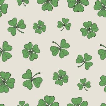 Ручной обращается зеленый счастливый трилистник и трилистник листья вектор бесшовные фоновый узор святой патрик ...