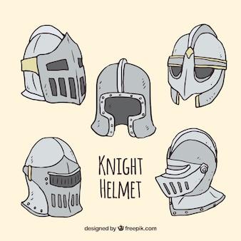 Ручная коллекция рыцарских шлемов