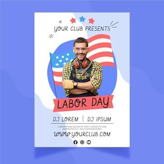 Modello di poster verticale della festa del lavoro disegnato a mano con foto