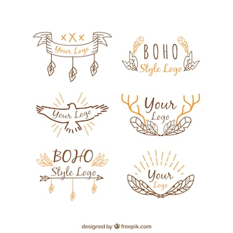Boho 스타일의 주황색 디테일이있는 손으로 그린 로고