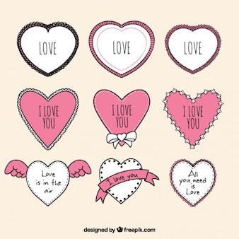 Disegnati a mano cornici d'amore a forma di cuore