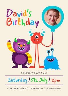 Modello di invito di compleanno mostro disegnato a mano con foto