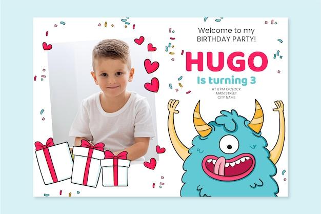 写真テンプレートと手描きのモンスターの誕生日の招待状