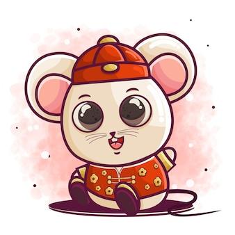 Нарисованный рукой милый мультфильм мышки в китайских нарядах