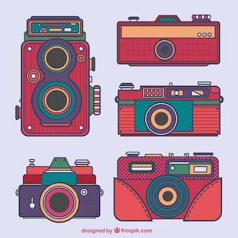 Raccolta di vecchie fotocamere disegnate a mano