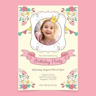Modello di invito di compleanno principessa disegnato a mano con foto