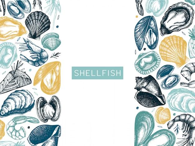手描きのシーフードフレーム。新鮮な魚、ロブスター、カニ、貝、イカ、軟体動物、キャビア、エビの絵付き。ビンテージシーフードスケッチメニューテンプレート