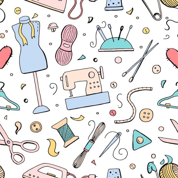 縫製ツールとアクセサリーを使用した手描きのシームレスパターン:糸、はさみ、針、計量、ボタン。仕立て、アトリエ、ファッションデザインのベクトルイラスト。落書きスケッチスタイル。
