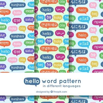 다른 언어로 안녕하세요 단어 패턴의 손으로 그린 세트