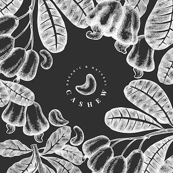 手描きスケッチカシューテンプレート。チョークボード上の有機食品のイラスト。ヴィンテージナッツのイラスト。刻まれたスタイルの植物の背景。