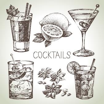 アルコールカクテルの手描きスケッチセット。図