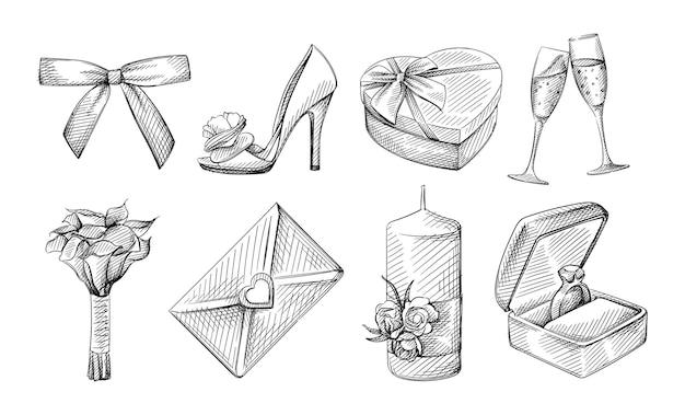 웨딩 테마의 손으로 그린 스케치 세트입니다. 리본 나비 넥타이, 신부 신발, 하트 모양의 상자, 샴페인 잔 2 개, 꽃다발, 청첩장, 꽃으로 장식 된 양초, 상자에있는 약혼 반지