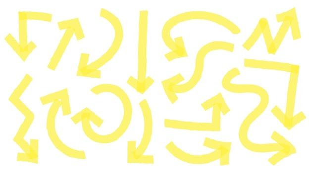 手描きの黄色の蛍光ペンの矢印、さまざまな方向へのポインター。巻き毛と波状の矢じりが上下左右に移動します。アーチ形のベクトル図でマーカーペンの線を落書き