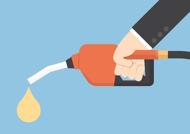 손을 잡고 가스 연료 펌프 노즐