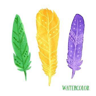 手で塗られた水彩羽のクローズアップを描いた。カラフルなエスニックフェザー。