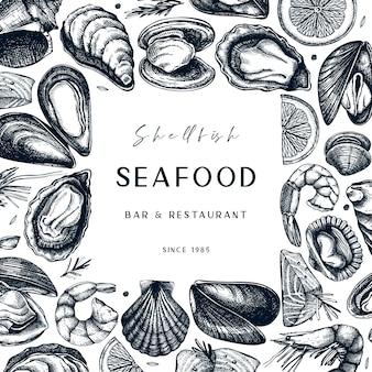 手は、シーフードフレームをスケッチします。新鮮な魚、カキ、ムール貝、エビ、キャビアのスケッチ。手描き。レストランの珍味食品のイラストがヴィンテージのチラシ。貝メニューテンプレート。