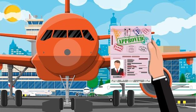 Рука с паспортом с иллюстрацией визы