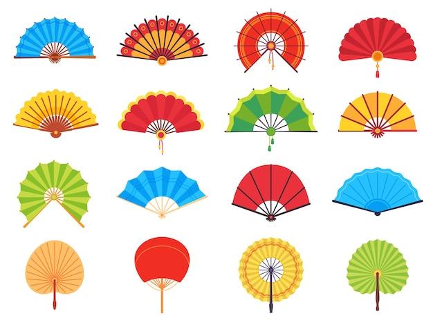 휴대용 선풍기. 중국 또는 일본 종이 고대 전통 팬, 개인 액세서리 및 기념품 플랫 벡터 세트. 다른 모양의 아시아 다채로운 냉각 또는 접는 손 팬