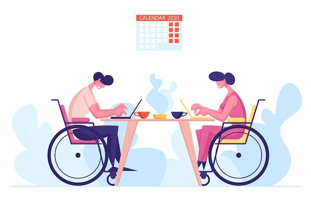 Сотрудники-инвалиды, коллеги офисные работники, сидящие за столом и работающие на ноутбуках