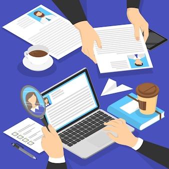 候補cvプロファイルを持っている手。ラップトップコンピューターで履歴書を作る人事マネージャー。採用する求職者を探しています。募集のアイデア。等角投影図