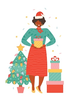 パイルギフトボックスとサンタの帽子で幸せなアフリカ系アメリカ人の女性。プレゼントを持っているクリスマスツリーの横にある女性キャラクター。新年とクリスマスのお祝い。手描きイラスト