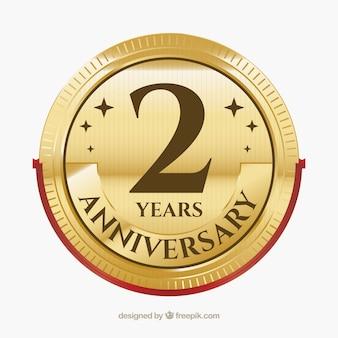 Etichetta dell'anniversario felice in stile dorato