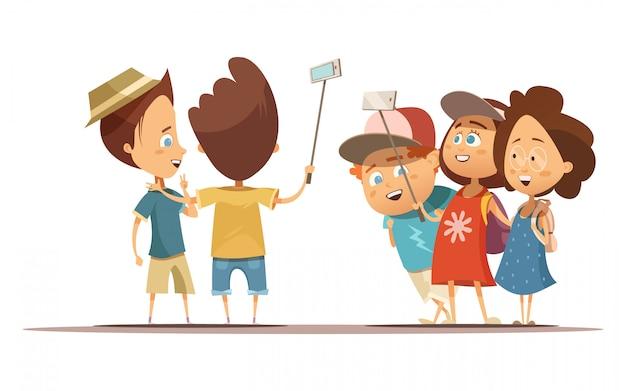 Счастливые дети в летней одежде