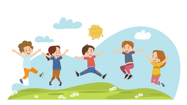 Счастливые дети прыгают на летнем лугу