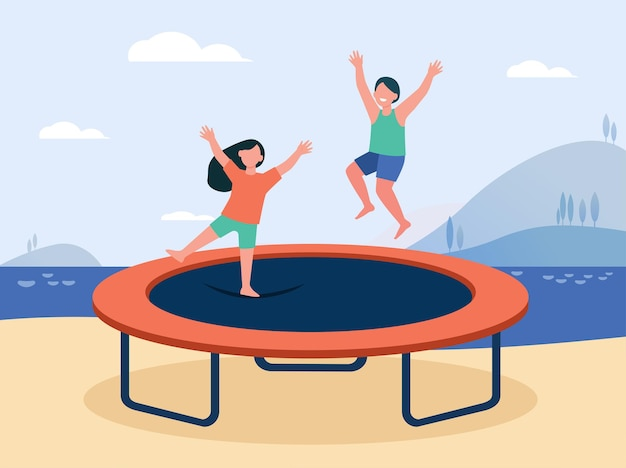트램폴린에 점프하고 웃고 행복한 아이들